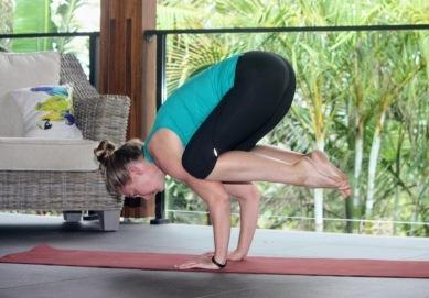 yoga_bushwalkthegong